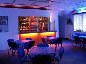 jidela-veranda-klubovna-bar